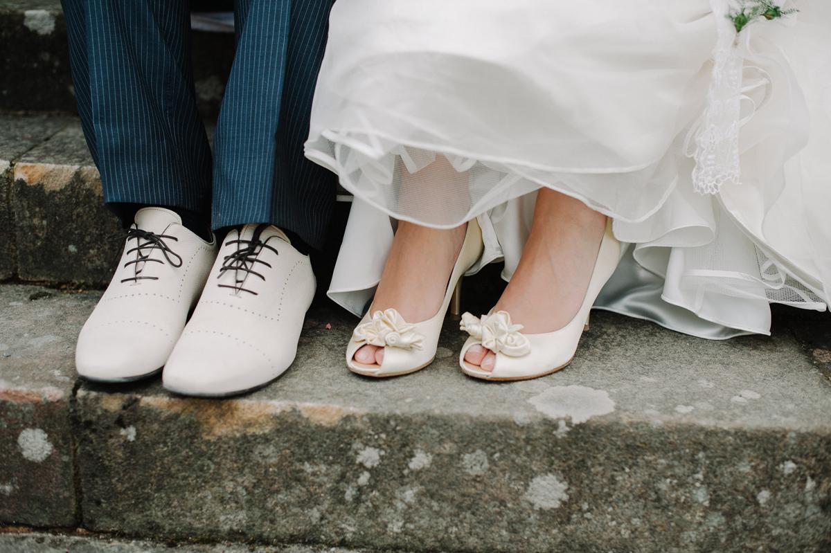 vita bröllopsskor